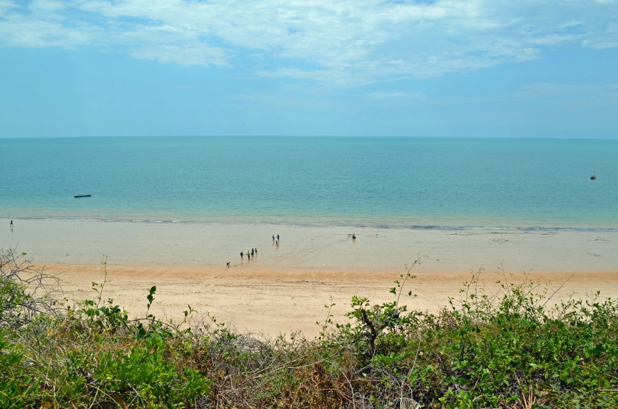 Inhassoro Beach.jpg